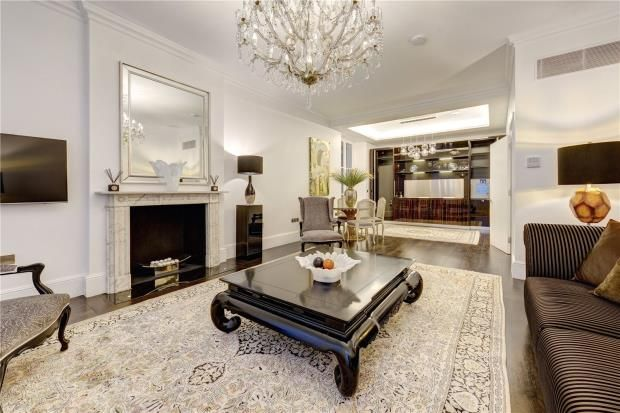 Thumbnail Flat for sale in Park Street, Mayfair, London