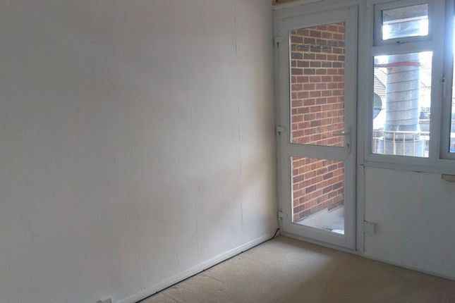 Thumbnail Flat to rent in Shirley Avenue, Chatham