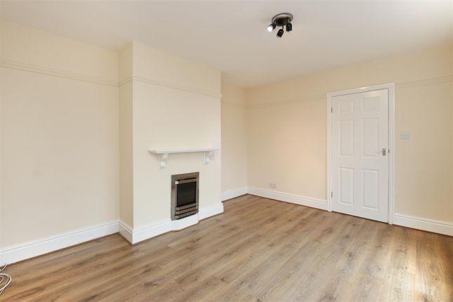 Living Room2 of Turnpike Close, Matlock DE4
