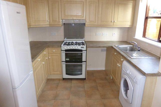 Thumbnail Property to rent in Bampton Close, Littlemore, Oxford