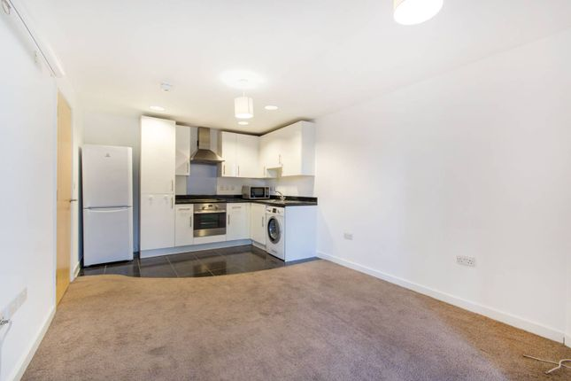 Thumbnail Flat to rent in Whitgift Street, Central Croydon