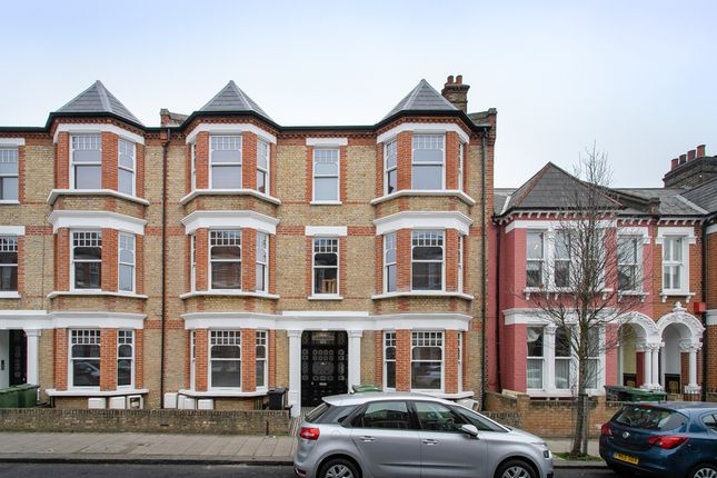 Thumbnail Flat to rent in Edgeley Road, London