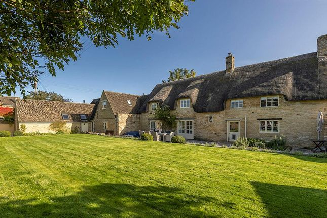 Thumbnail Cottage for sale in Long Compton, Shipston-On-Stour, Warwickshire