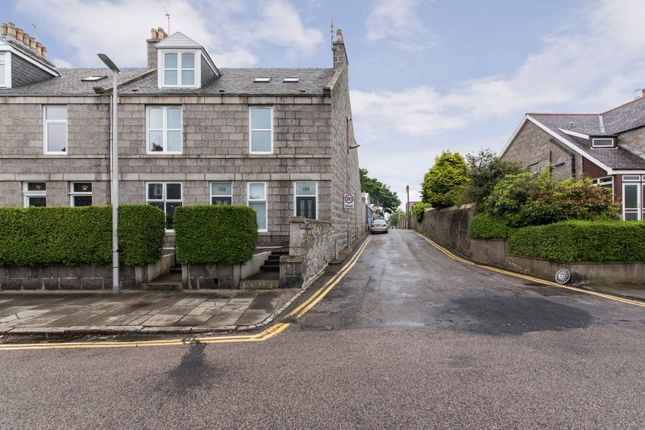 Thumbnail Flat for sale in Brighton Place, Aberdeen, Aberdeenshire