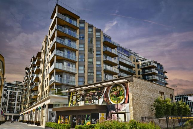 Flat for sale in Vista House, Dickens Yard, Ealing, London