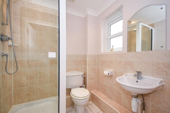 En-Suite of 201 The Broadway, Thorpe Bay, Essex SS1