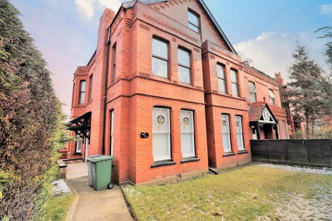 2 bed flat to rent in Seabank Road, Wallasey