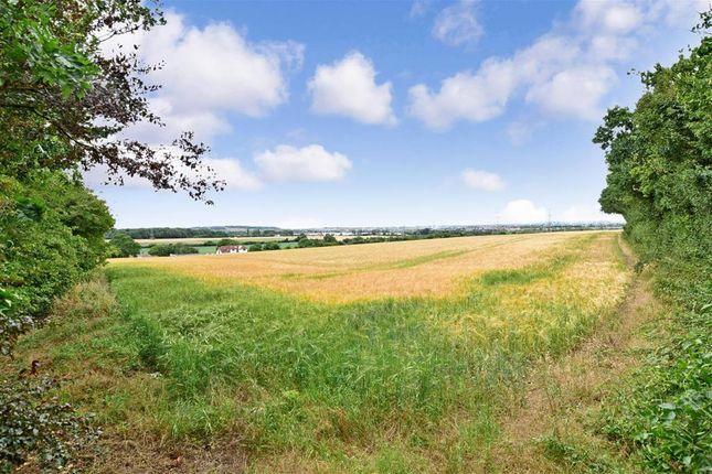 Surrounding Area of Fairview Road, Istead Rise, Kent DA13