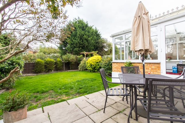 Thumbnail Link-detached house for sale in Laburnum Grove, Hockley