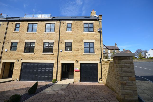 Thumbnail Town house to rent in Sawmill Court, Penistone, Sheffield