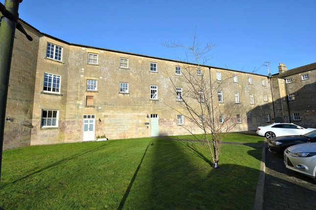 2 bed flat for sale in The Hexagon, Kempthorne Lane, Bath