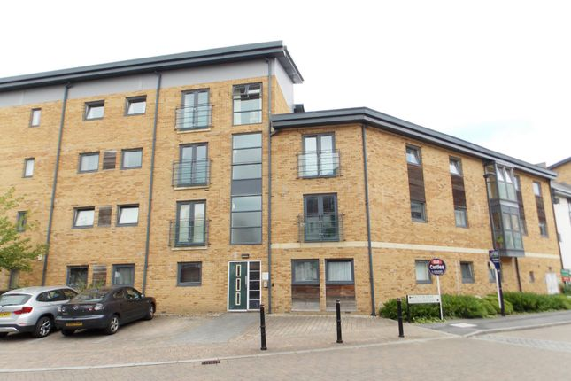 Thumbnail Flat to rent in Pasteur Drive, Swindon