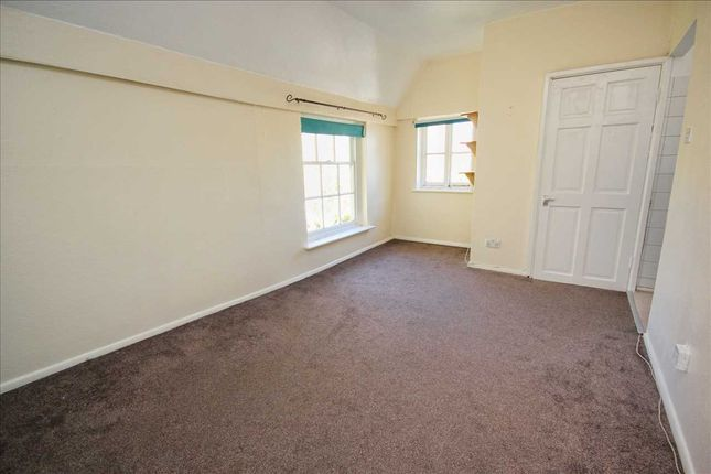 Lounge/Bedroom of Hadleigh Hall, Pound Lane, Hadleigh IP7