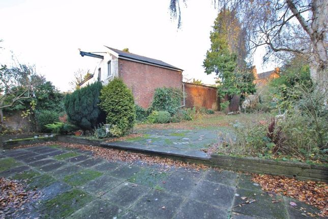 Photo 12 of Palm Grove, Oxton, Wirral CH43