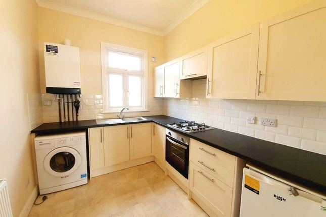 1 bed flat to rent in Selwyn Road, Plaistow E13
