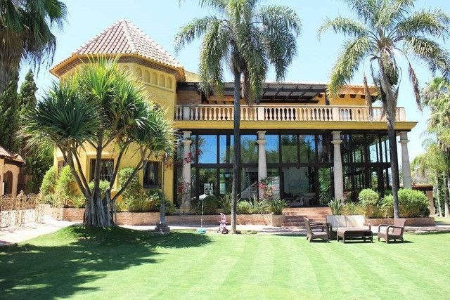 Thumbnail Villa for sale in Málaga, Spain