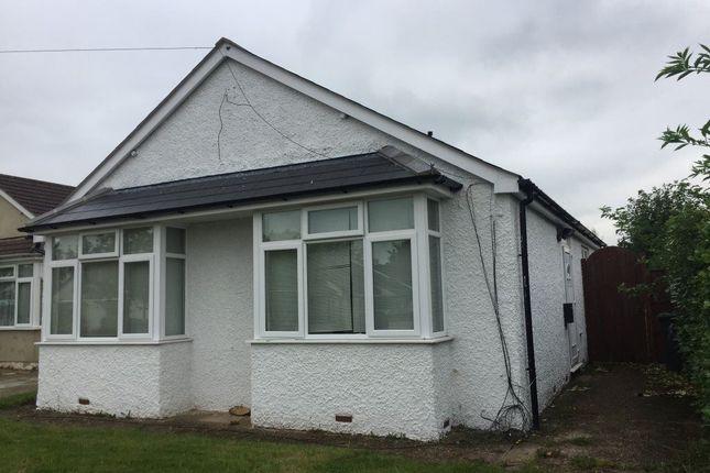 Thumbnail Bungalow to rent in Royston Way, Burnham, Slough