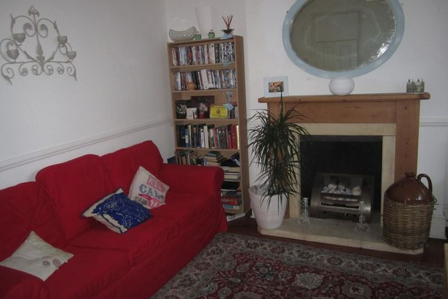 Thumbnail Flat to rent in Paulet Road, London