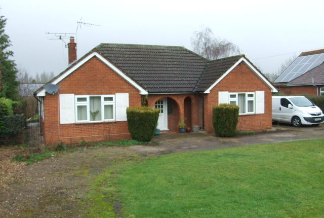 Thumbnail Detached bungalow to rent in Parkway, Woburn Sands