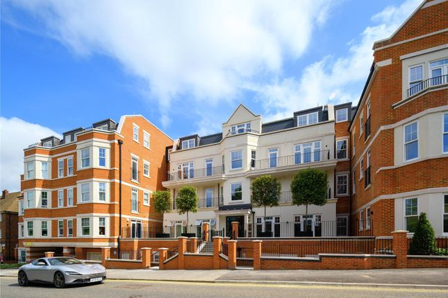 Thumbnail Flat for sale in Quinton Court, 98-104 London Road, Sevenoaks, Kent