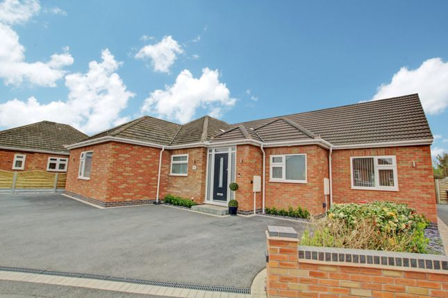 Thumbnail Detached bungalow for sale in Newfield Avenue, Kenilworth