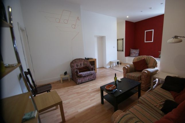 Thumbnail Flat to rent in Headingley Lane, Headingley, Leeds