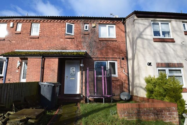 Thumbnail Terraced house to rent in High Trees Close, Redditch
