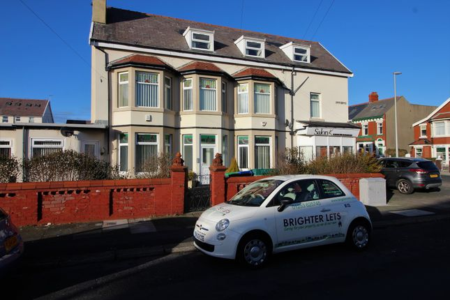 Thumbnail Flat to rent in Empress Drive, Blackpool, Lancashire