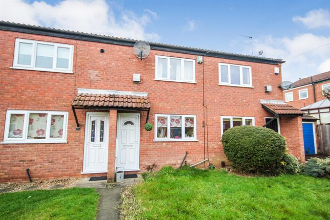 Thumbnail Town house to rent in Oulton Close, Arnold, Nottingham