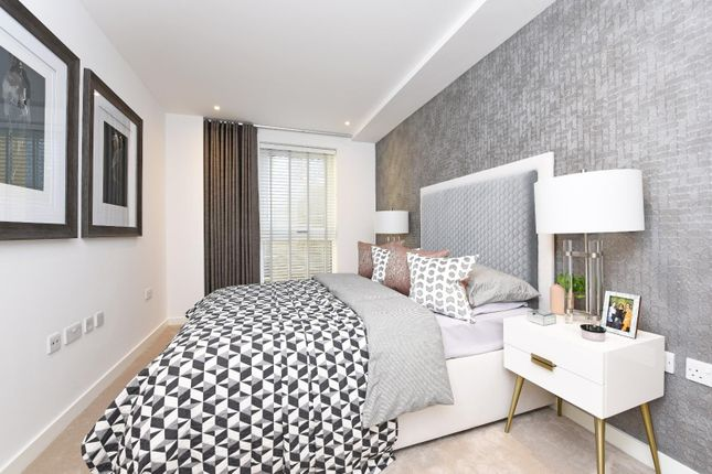 Thumbnail Flat for sale in Pentonville Road, London