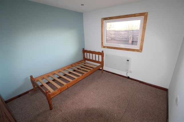 Bedroom One of Anthony's Bank, Humberston Fitties, Humberston, Grimsby DN36