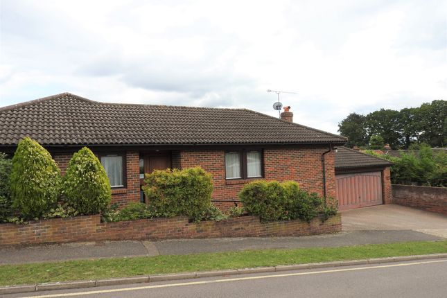 Thumbnail Detached bungalow to rent in Bacons Drive, Cuffley, Potters Bar
