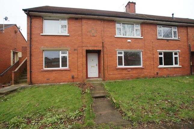 Thumbnail Flat to rent in Derwent Drive, Shaw