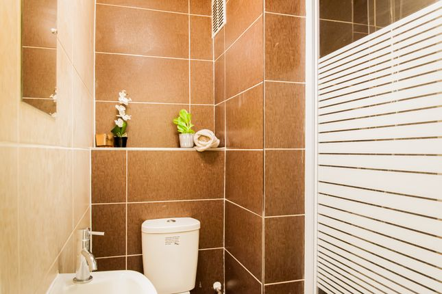 Bathroom  of Tavistock Crescent, Notting Hill, Central London W11
