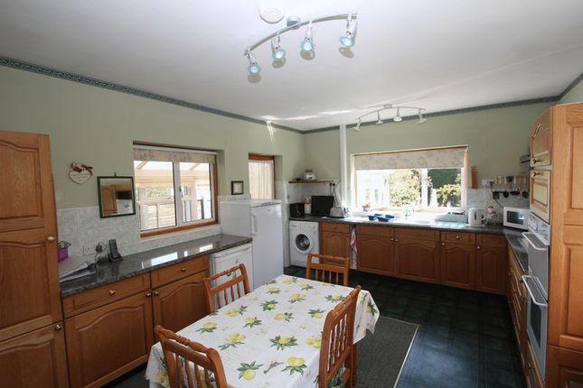 Kitchen of Station Road, Studley B80