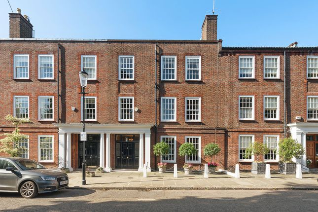 Thumbnail Town house for sale in Chelsea Square Chelsea, London