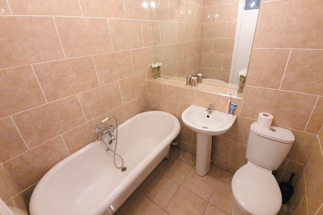 Bathroom of Ffordd Scott, Birchgrove, Swansea SA7