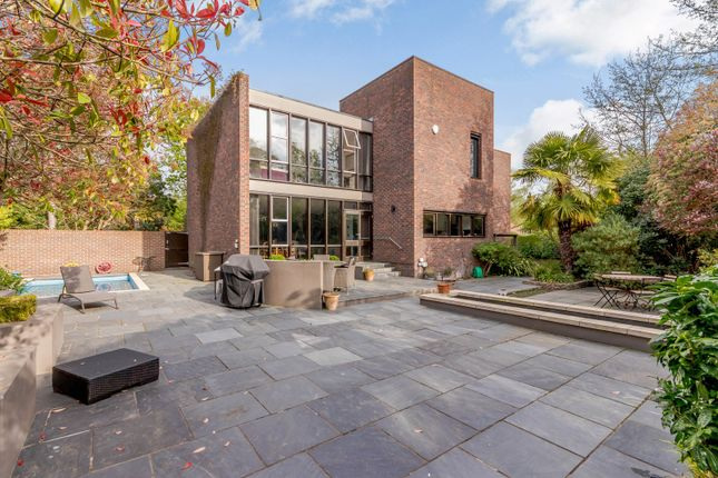 Thumbnail Detached house for sale in Lakeside Drive, Esher