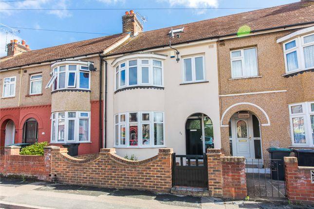 Picture No. 34 of Robinia Avenue, Northfleet, Kent DA11