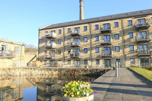 2 bedroom flat to rent in Dean House Lane, Luddenden, Halifax