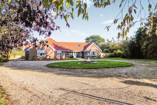 Thumbnail Detached bungalow for sale in Shelfanger Road, Roydon, Diss