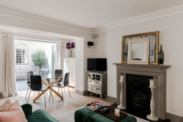 Flat to rent in Brunswick Gardens, London