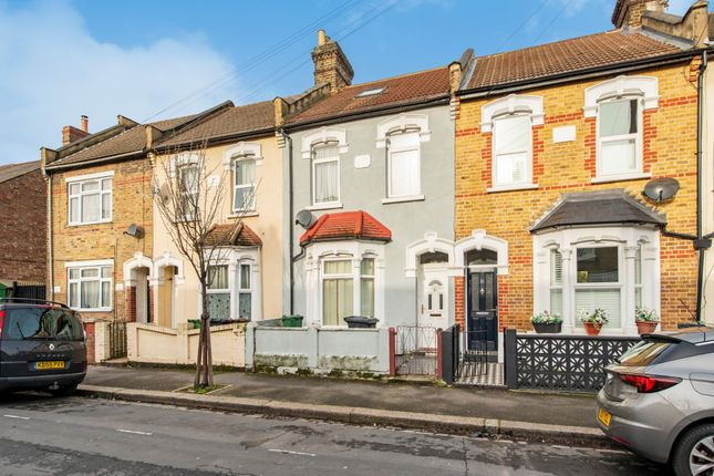 Thumbnail Terraced house to rent in Pearcroft Road, London