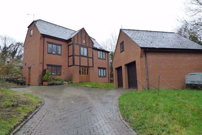 Detached house for sale in Flecknoe, Rugby