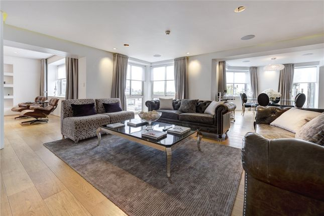 Thumbnail Flat to rent in Arlington Street, Piccadilly, London