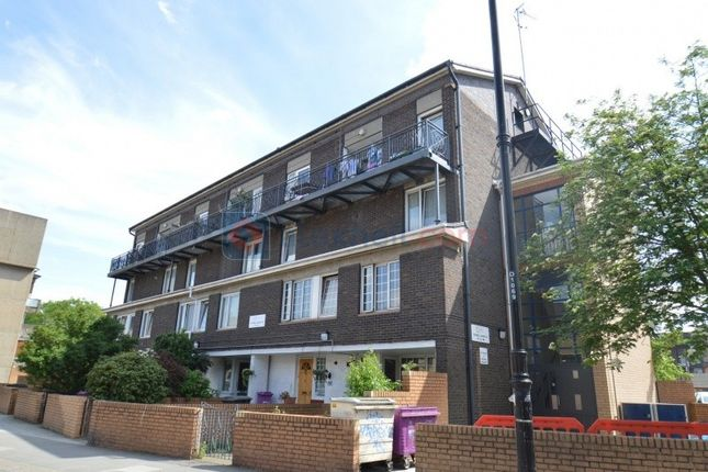Thumbnail Maisonette to rent in Old Ford Road, London