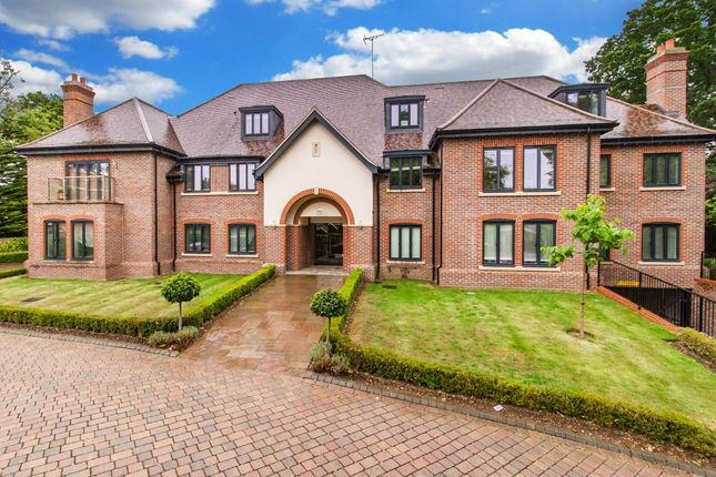 Thumbnail Flat for sale in Charlesworth Court, 118 High Road, Chigwell, Essex