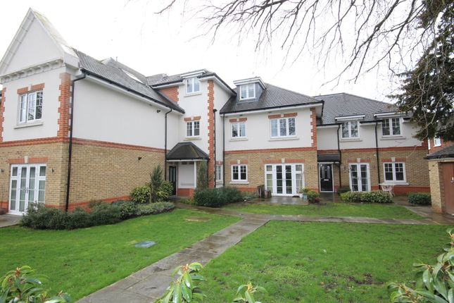 Flat to rent in Cookham Road, Maidenhead