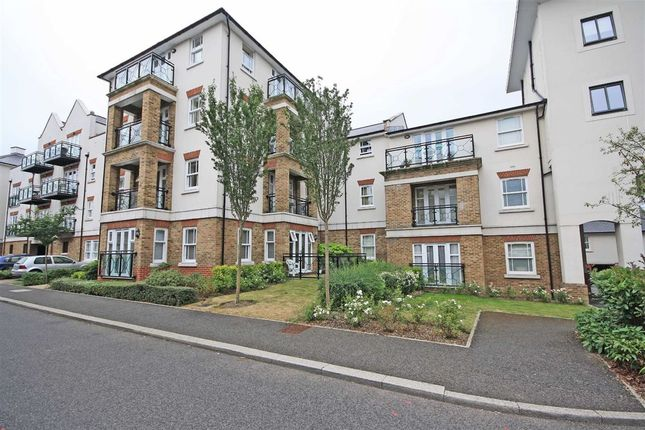Thumbnail Flat to rent in Woodmill Close, London