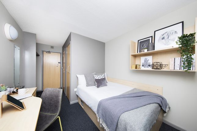 Thumbnail Flat to rent in Leadmill Road, Sheffield